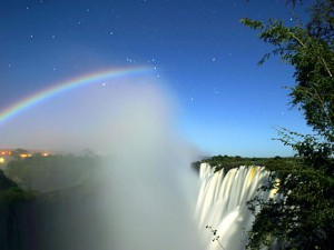Lunar_Rainbow_3_-_ORION_L_-_Victoria_Falls_-_Calvin_Bradshaw_3