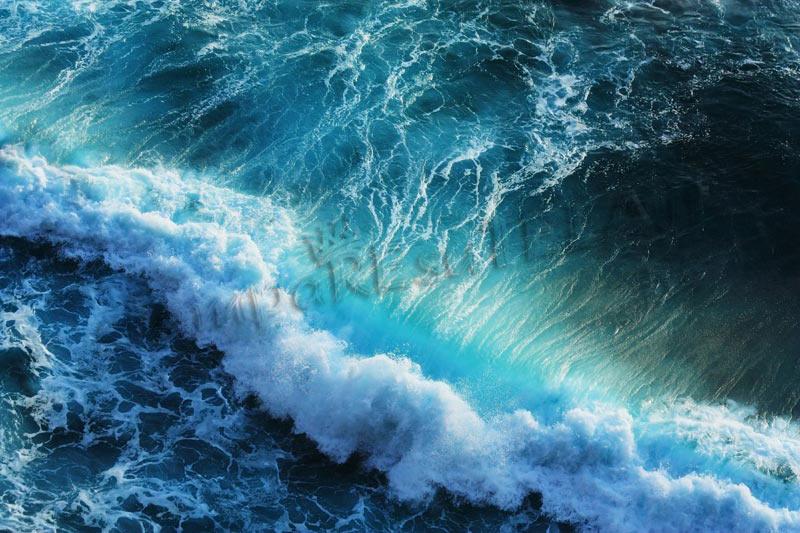 00131-mare-in-tempesta
